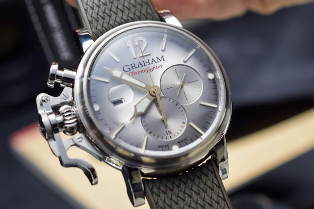 The Chronofighter Grand Vintage by Graham is exactly as big as it appears in the mirror