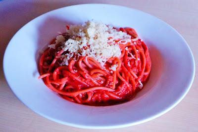 http://sandyskitchendreams1.blogspot.de/p/pink-pasta.html