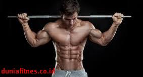 Latihan Membentuk Otot Dada dan Perut yang Benar