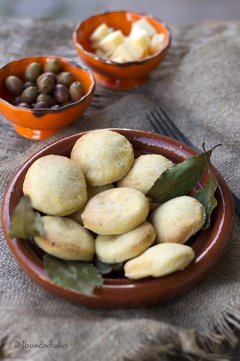 Il bosco di alici libum di catone per la gionata for Cucina antica roma