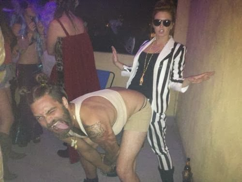 Watch Miley Cyrus and Robin Thicke VMA performance with Rule 63 costume