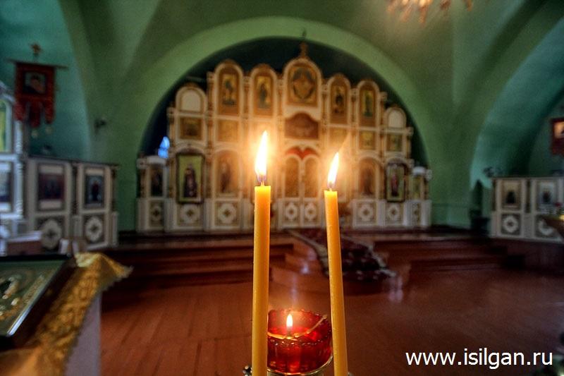 Церковь во имя Святых апостолов Петра и Павла. Город Нязепетровск. Челябинская область