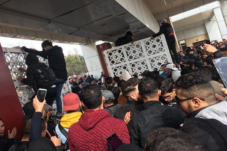 الطلبة ينتفضون من جديد في مظاهرات حاشدة ضد بوتفليقة