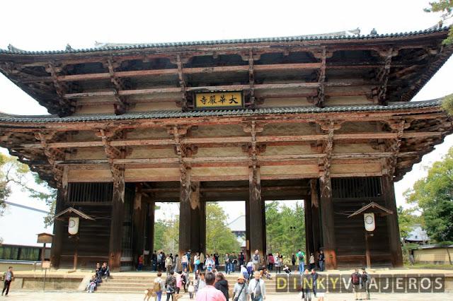 Puerta Nandaimon del templo Tōdai-ji
