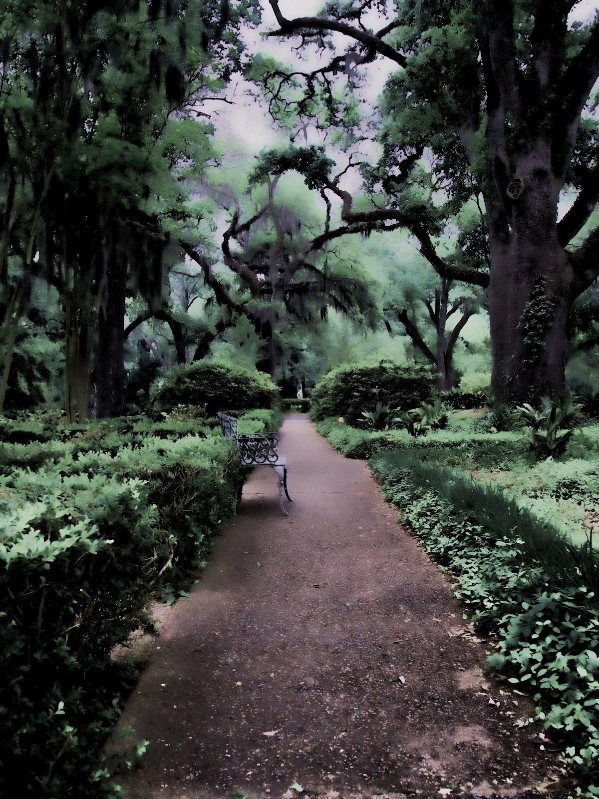 Hallows Outpost: Myrtles Plantation Ghosts
