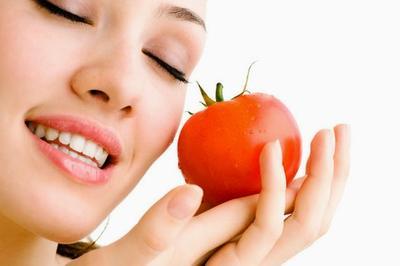 Tomato and lemon for skin