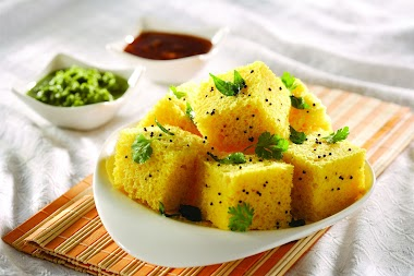 Dhokla - an Indian dish you should try while visiting Mumbai