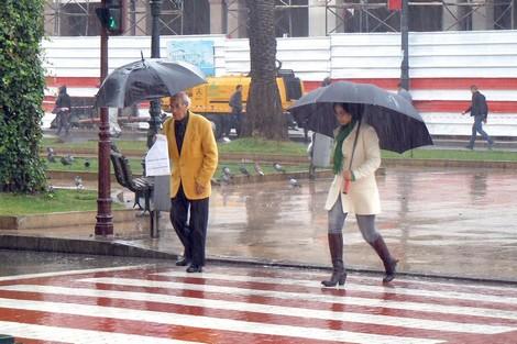"""فلاحون يستبشرون خيراً بـ""""أمطار نونبر"""" ويرفضون """"مزايدات سياسية"""""""