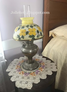 Guest room lamp and doily https://jollettetc.blogspot.com