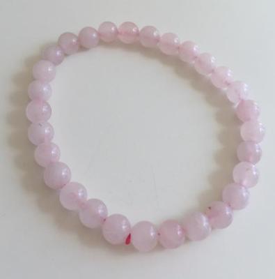 Bracelet en quartz rose acheté chez Terre! à Caen