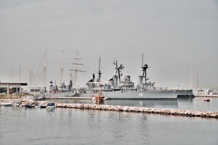 Pireus port w Atenach