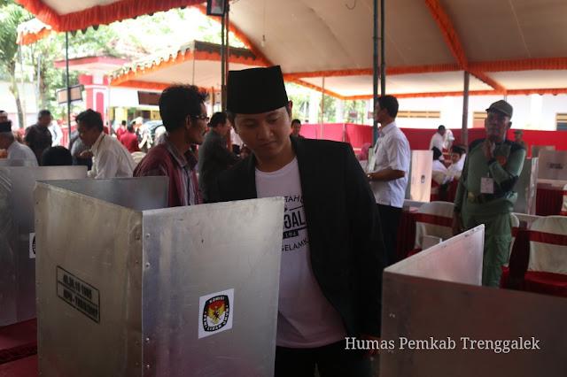 Tinjau Pelaksanaan Pilkades, Mochammad Nur Arifin Apresiasi Kesiapan dan Kelengkapan Pilkades