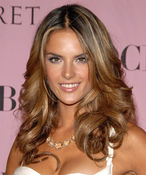 Dewi Image: Alessandra Ambrosio Hairstyles