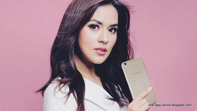 Raisa Oppo F3 Plus - instagram 2017