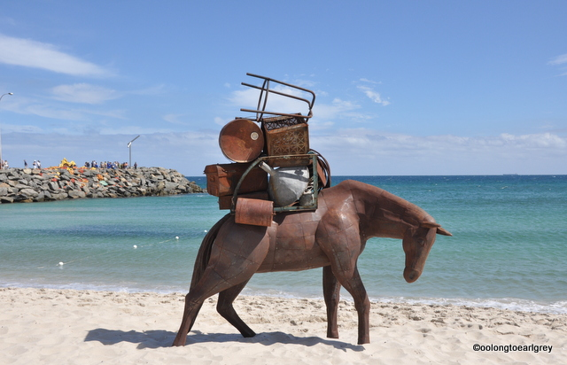 A Burden, Suzie Bleach and Andrew Townsend, NSW, Sculptures by the Sea 2016