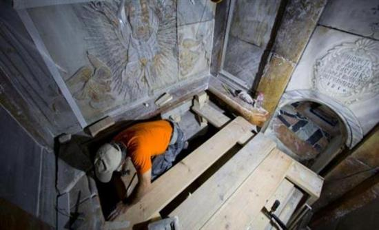 Συγκλονιστική μαρτυρία: Μπήκα πρώτος στον Τάφο του Ιησού, μύριζε μύρο παντού