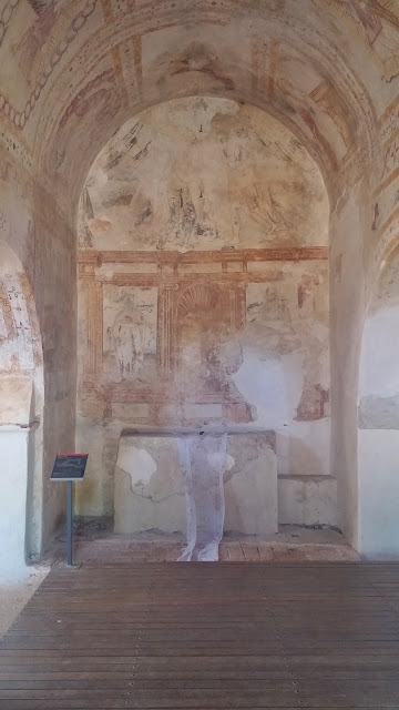 Ruínas de São Cucufate, Vidigueira: frescos da capela
