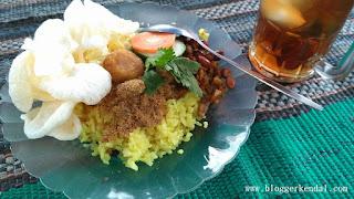 Nasi Kuning Pojok GOR Bahurekso