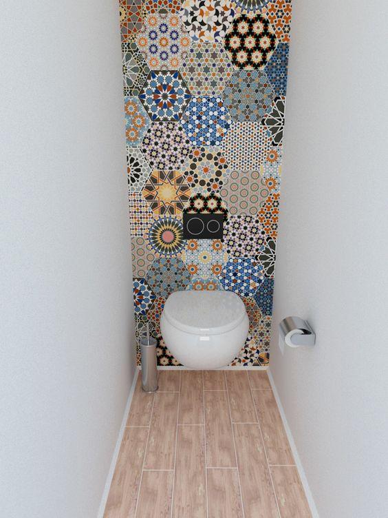 Arredamento e dintorni bagno piccolo anzi piccolissimo - Piastrelle colorate per bagno ...