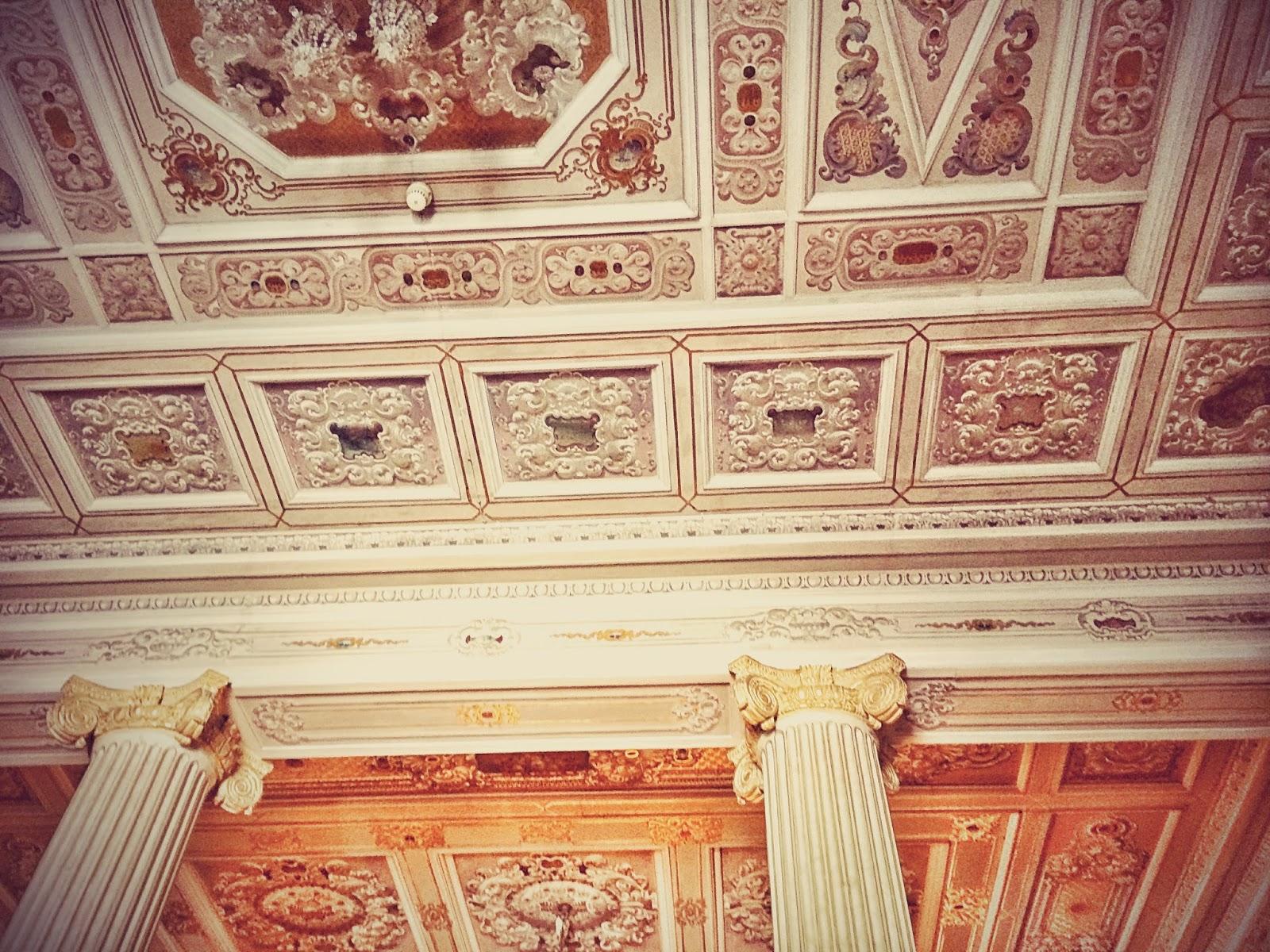 トルコ観光地の宮殿の天井
