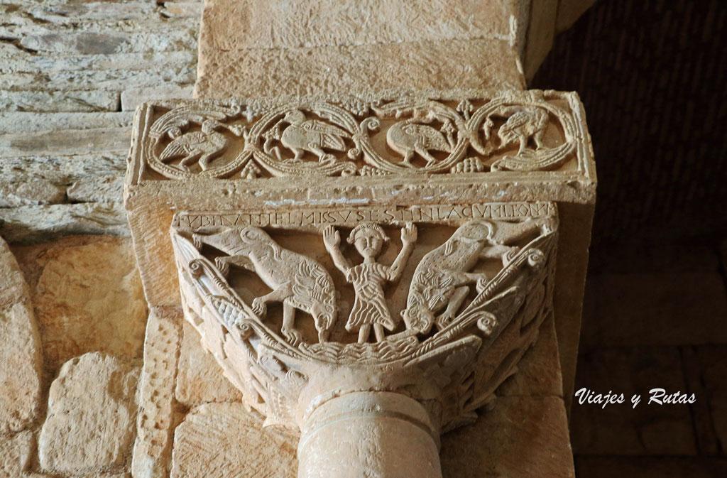 Daniel y los leones, capitel de san Pedro de la Nave