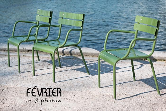 3 chaises vertes du jardin des Tuileries à Paris avec le bassin octogonal en arrière plan