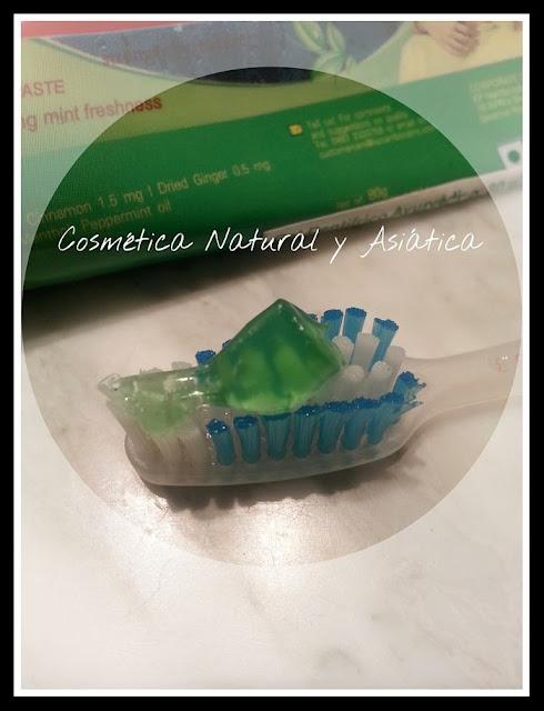 KP-namboodiris-gel-dentifrico-ayurvedico-detalle