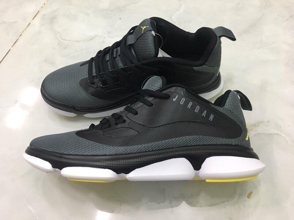 Giày Jordan Nam Xám Size 43
