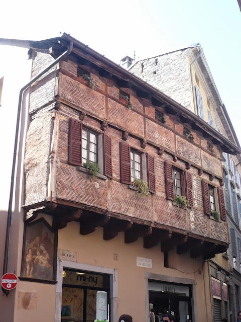 Edifici nel centro storico di Como