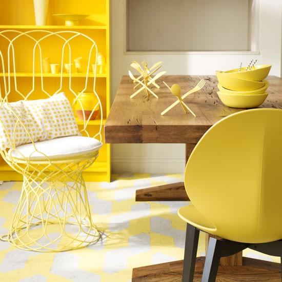 Salle à manger avec des meubles dynamique