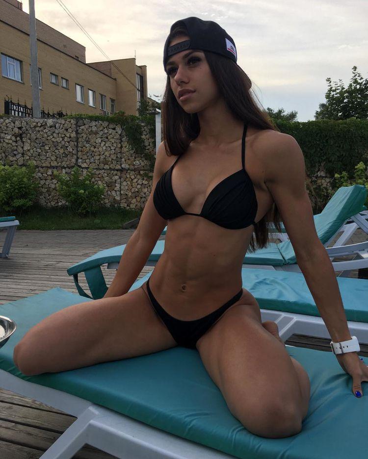 Russian bikini models love breed