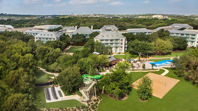 Hyatt Regency Hill Country Resort and Spa is just 20 minutes from downtown San Antonio, tucked away in the Hill Country, offering guests a rustic retreat with exceptional resort amenities.