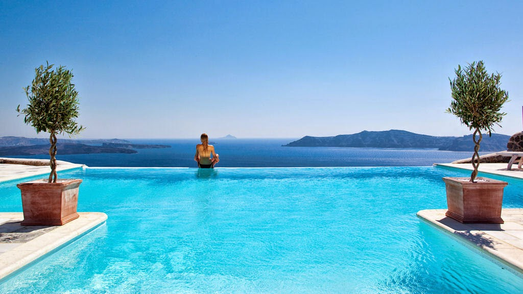 Passion for luxury csky hotel santorini luxury for Most luxurious boutique hotels in the world