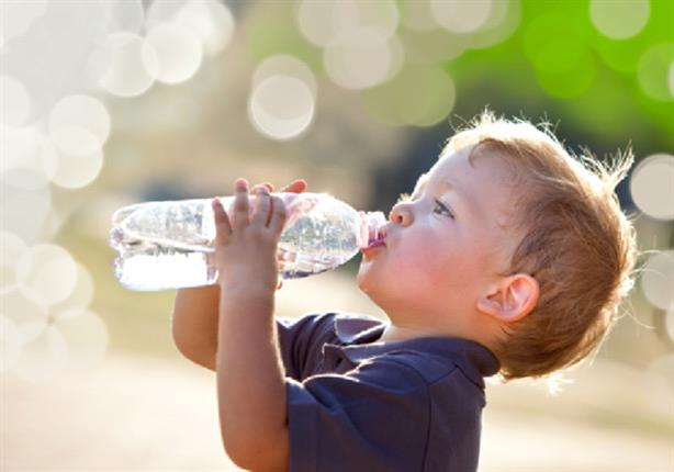 الإعجاز العلمي فى النهي عن شرب الماء أثناء الوقوف