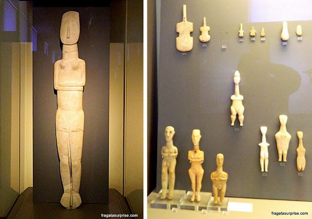 Esculturas cicládicas no Museu Nacional de Arqueologia de Atenas, Grécia
