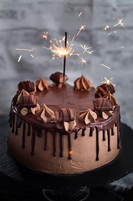 Recette layer cake aux kinder bueno super facile à réaliser