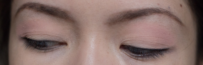 Lise Watier Ombre Velours Eyeshadow Vanille and Sable and Intense Waterproof Eyeliner in Espresso Worn
