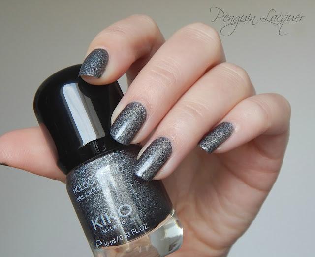 kiko holographic nail lacquer 006 graphite daylight