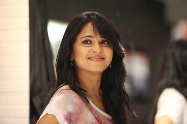 Madhavi 3d Name Wallpapers Coogled Actress Anushka Shetty Latest Hd Pictures