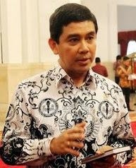 Tawaran Terbaru Menteri Yuddy Kepada Para Honorer K2