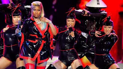 Nicki Minaj passa James Brown e empata com Kanye West como artistas que mais colocaram músicas na Billboard.