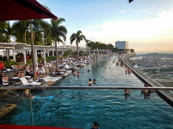 Viaggi in indonesia marina bay sands in singapore - Marina bay sands piscina ...