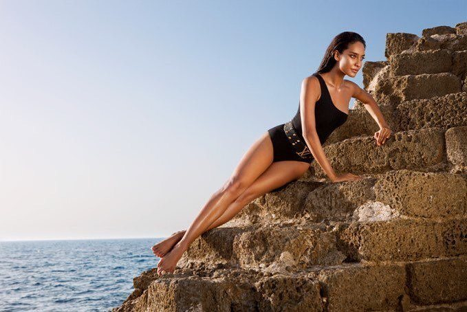 Lisa Haydon Sexy Bikini Pictures-Hot Sizzling Photos in Swimwear