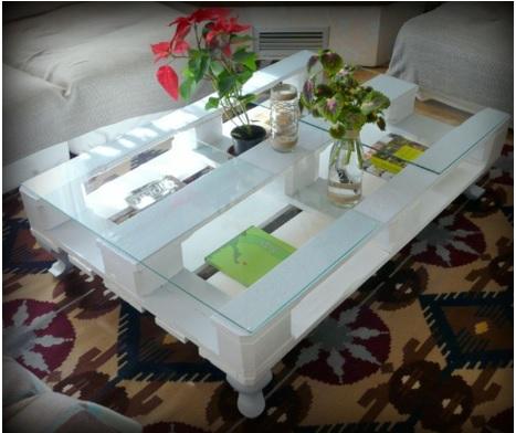 cómo hacer una mesa con tarimas y vidrio, mesa de tarima fina