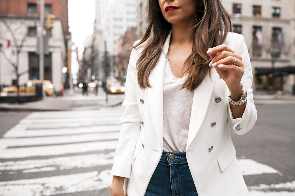 Porady stylisty: Jak się ubierać przy dużym biuście i pupie?