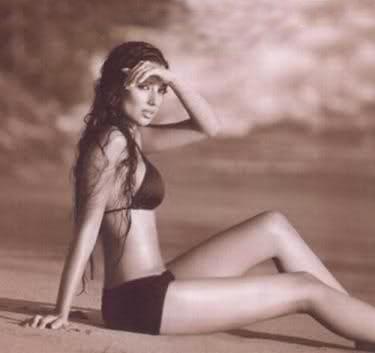 Shoot 'tehran Rocks Bikini For Claudia Lynx Black Magazine' shQtBrdCxo