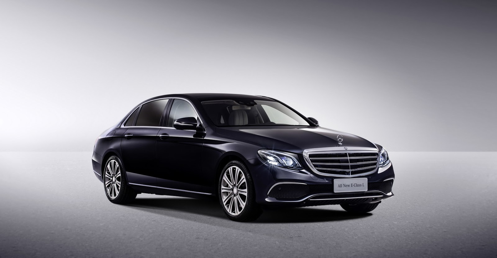 China 39 s new mercedes benz e class lwb looks like a mini for Mercedes benz class e