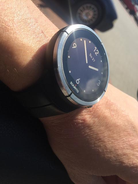 Spartany nejsou plnohodnotným následovníkem Ambitů. Jedná se spíše o nové  hodinky 89973241d51