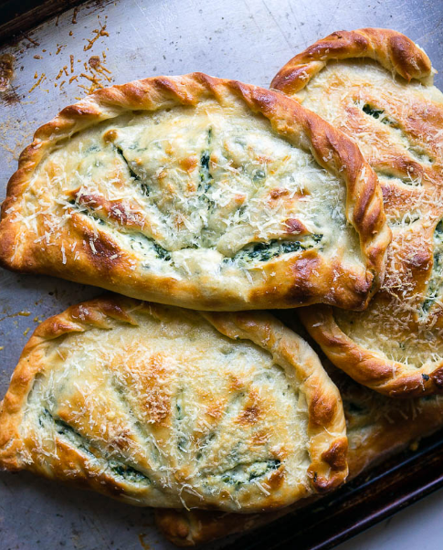 Ricotta And Spinach Calzones #vegetarian #ricotta