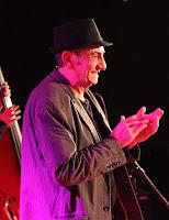 http://musicaengalego.blogspot.com.es/2014/12/fotos-tatan-chapeu-no-culturgal.html